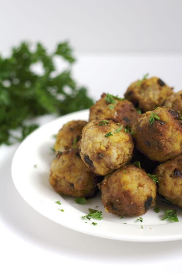 A plate of turkey meatballs